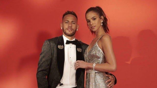 Neymar e Bruna Marquezine (Foto: Eduardo Bravin/divulgação)